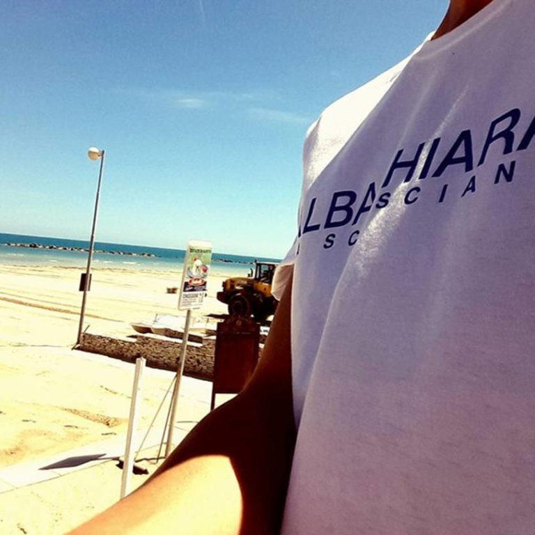 party in spiaggia griffato birra bvs
